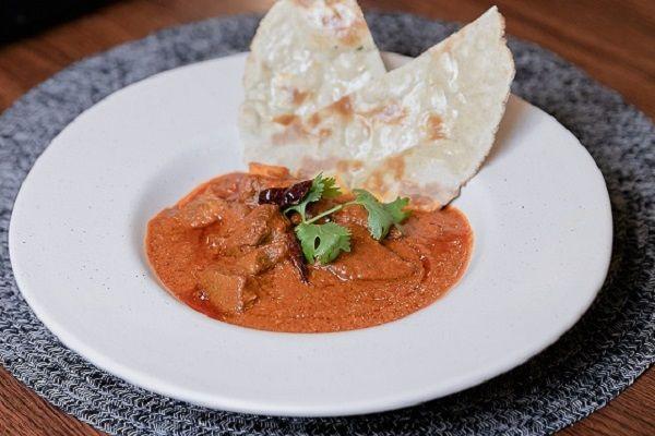 Laal Maas Served with Bajra Roti